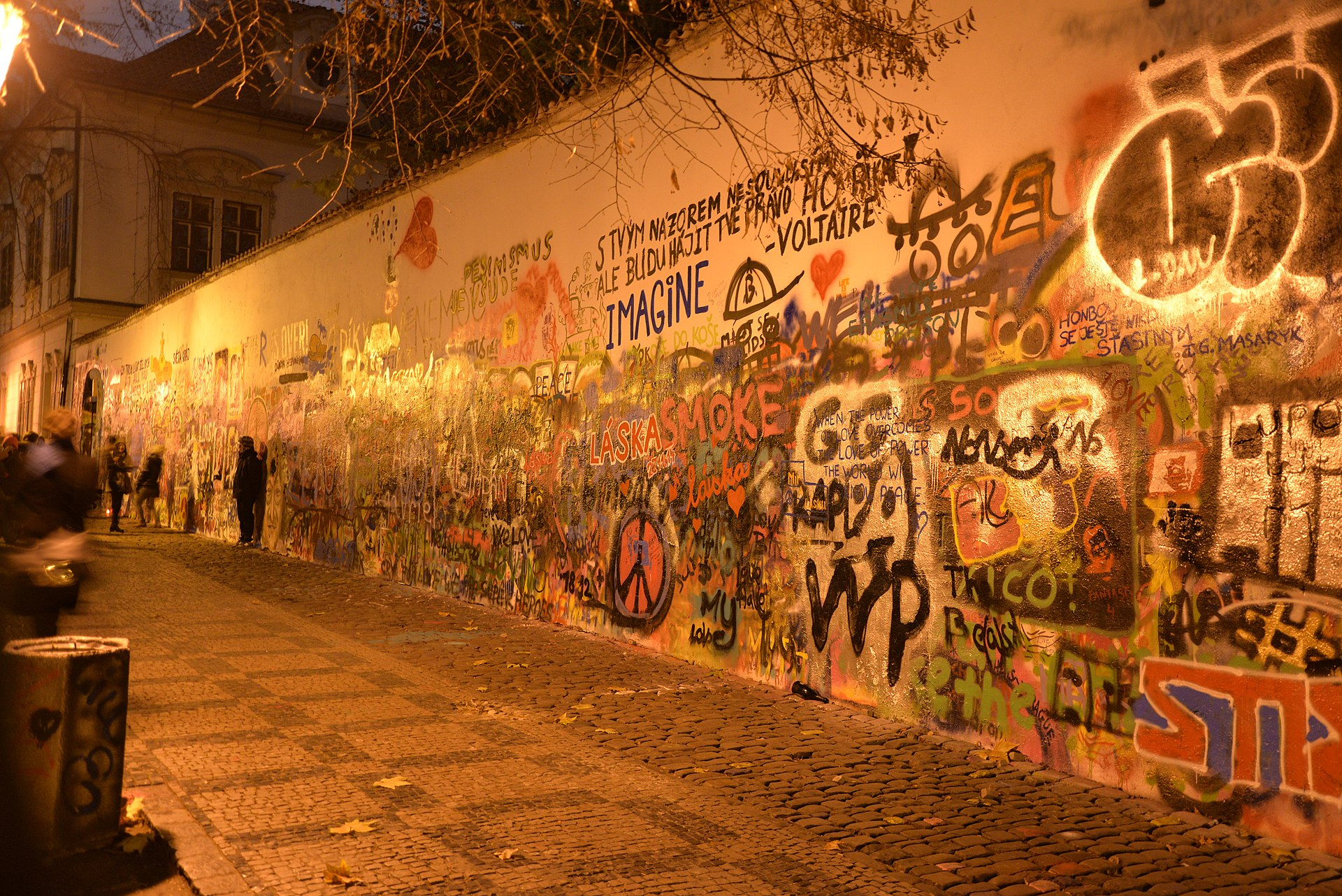 1920px-John_Lennon_Wall,_Prague,_November_2014.jpg